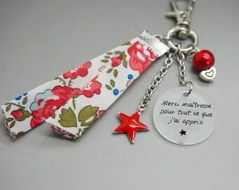 """porte clé liberty rouge cabochon médaille """"Merci maîtresse pour tout ce que j'ai appris"""" personnalisable - teacher gift"""