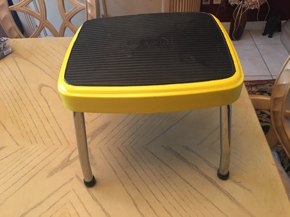 Super Vintage Cosco Yellow One 1 Step Chrome Foot Stool Stand 11 X 12 Mid Century Caraccident5 Cool Chair Designs And Ideas Caraccident5Info
