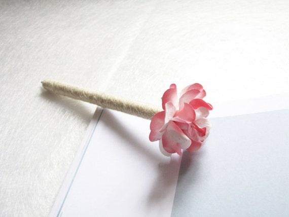 Shade of Purple Paper Flower Set of 2  4 Wedding Guest Book Pens Rustic Flower Wedding Decor Burlap Pen Rustic Wedding Pen