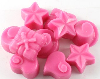 Strawberry & Rhubarb Handmade Premium Quality Highly Scented Wax Melts for Oil Burners. 10 x 5g Melts in each pack