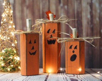 Wood Pumpkins, Rustic Halloween Decor, Pumpkin Decor, Reclaimed Wood, Hand Painted Pumpkins, Primitive Halloween, Wooden Pumpkins, Fall