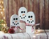 Wood Snowman Family, Rustic Christmas Decoration, Farmhouse Holiday Decor, gift hostess, Christmas Centerpiece, White Christmas mantel,