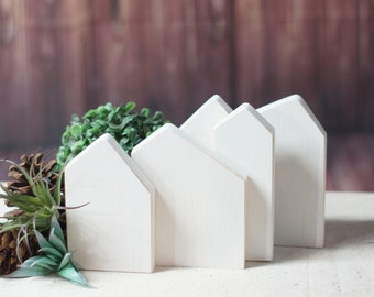 Kleines Holzhaus Satz Von 3 Kleinen Holzhausern Fur Wohnung