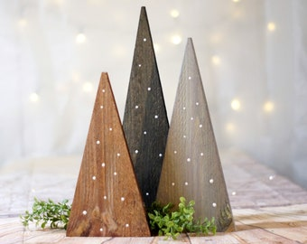 Farmhouse Christmas Tree set, Table Centerpiece, Rustic Home Decor, Fireplace Mantle Holiday Decorating Ideas, House Gift Trends 2020, Porch