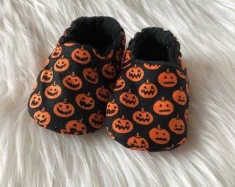 1859ba3b65ba5 Pumpkin baby booties | Etsy