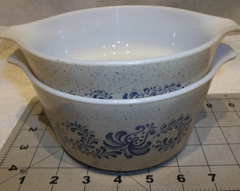 1 QT Size Early American Cinderella Pattern 473 Cinderella with Clear Lid, Pyrex 471 1 Pt 2 Vintage Pyrex Casserole Brown Bowls w Lids