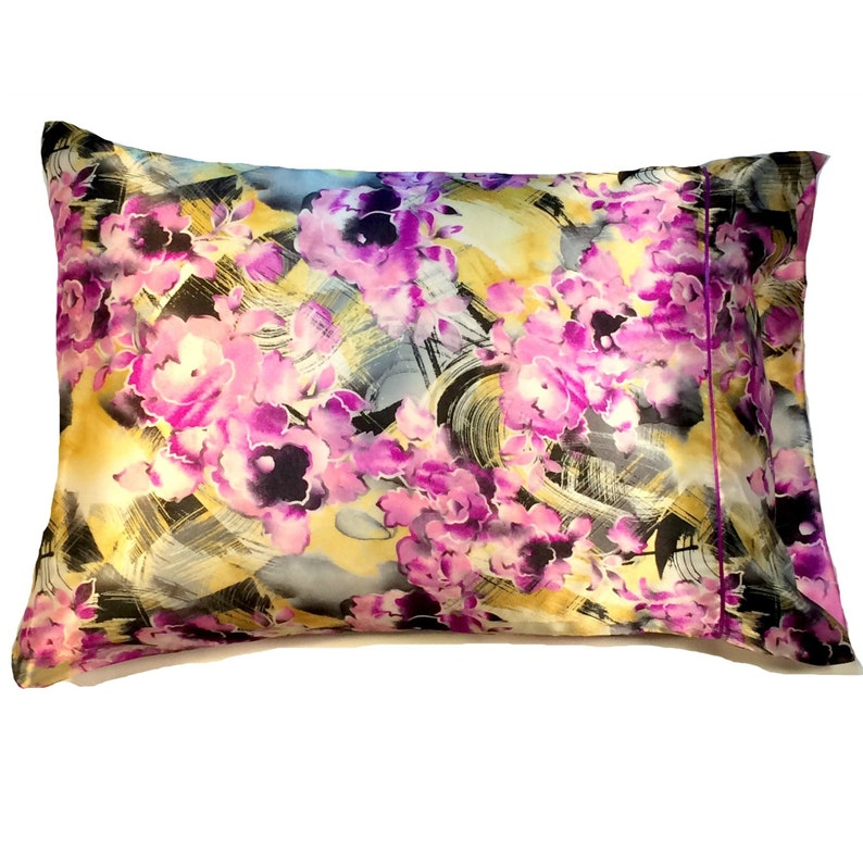 Luxurious Satin Pillowcases Standard Helps Face Wrinkles. Luxury Bedding Protects Dry Hair
