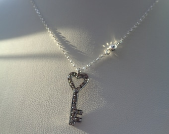 Necklace in 925 Silver with sweet, diamantbesetztem keychain