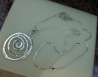 925 Silver chain with opulent spiral!