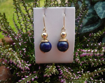 Earrings with lapis lazuli bead in 585-er silver!