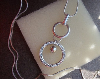 925 Silver chain with sparkly ring, long and beautiful!