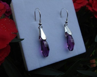 925 sparkly earrings in Berry color!