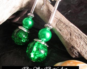 "Earrings ""So"" Green""cracked glass beads green and stardust"