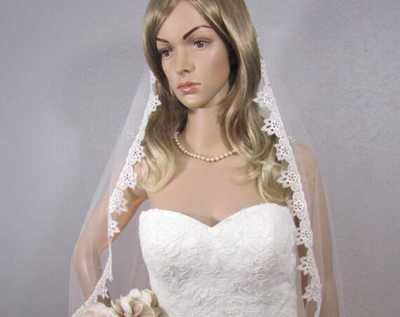 Lace Wedding Veil, Ivory Bridal Vail, Fingertip Vale, Lace Veil, Bling Veil, Long Veil, Bridal Viel, Bridal Attire, Crystal Veil