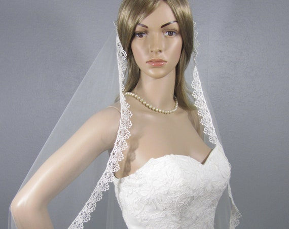 Lace Wedding Veil, Ivory Bridal Vail, Waltz Length Vale, Long Veil, Short Veil, Soft Veil, Tulle Veil, Flowing Veil, Mantilla Veil, Dramatic