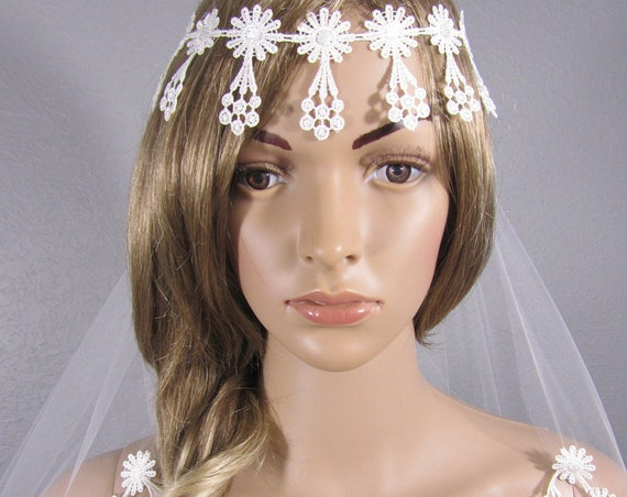 White Wedding Veil, Bridal Vail, Boho Vale, Lace Veil, Waist Veil, Short Veil, Bohemian Bridal Veil, Adjustable Bridal Veil, Free Shipping