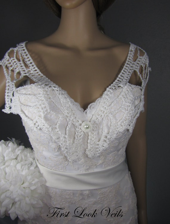 White Shawl, Wedding Shawl, Bridal Shrug, Shoulder Shawl, Hand Beaded Clasp, Mother Of The Bride Shawl, Crocheted Shrug, Bridal Attire