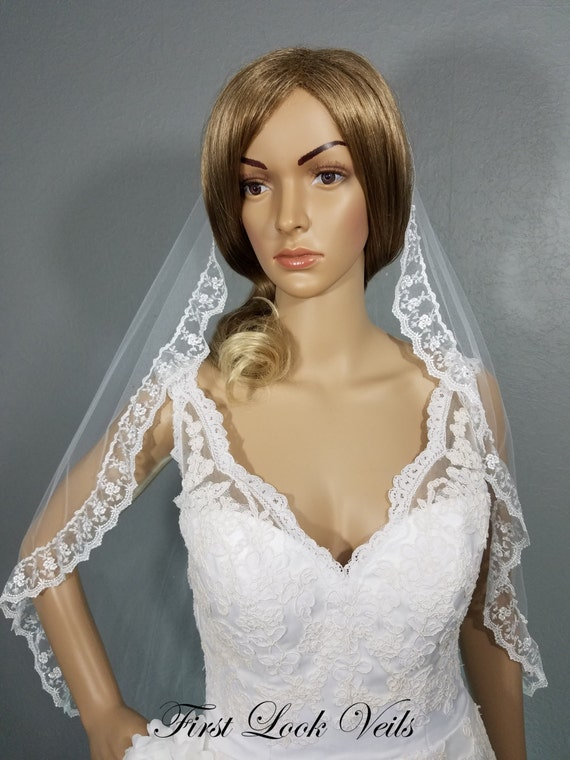 White Wedding Veil, Bridal Waist Veil, Lace and Crystal Veil, Floral Lace Veil, Wedding Vail, Bridal Accessory, Veil, White Veil, Lace Veil