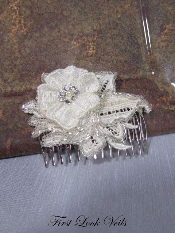 Bridal Comb, Ivory Comb, Floral Comb, Lace Comb, Swarovski Comb, Glass Crystal Beads, Bridal Accessory, Bridal Accessories, Hair Accessory