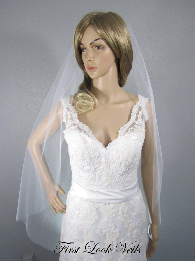 Wedding Veil White Bridal Vail Fingertip Vale Short Veil image 0