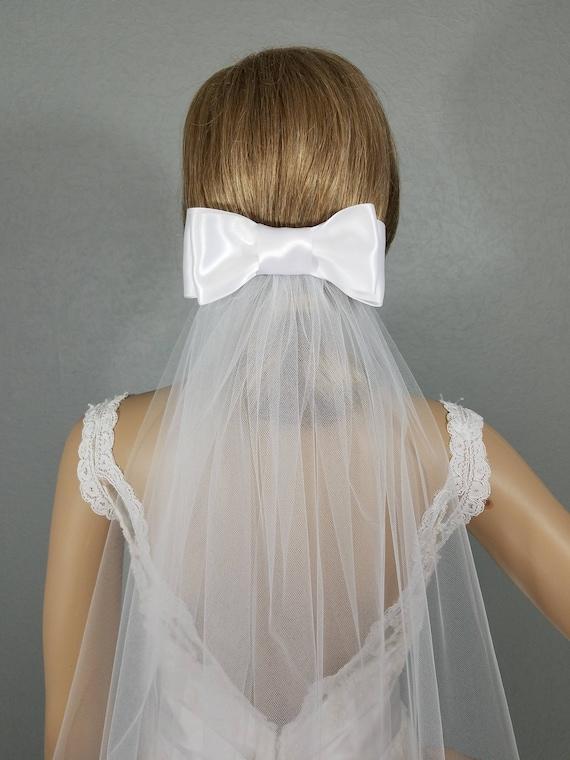 White Bow Wedding Veil, Bow Bridal Veil, Bridal Hip Veil, Short Bridal Veil, Wedding Vail, Bridal Attire, Bridal Accessory