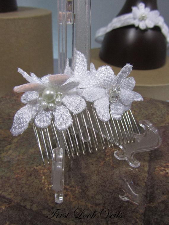 White Bridal Comb, Lace Hair Comb, Floral Comb, Swarovski Comb Accents, Glass Pearl Comb, Hair Accessory, Bridal Accessory, Womens Comb