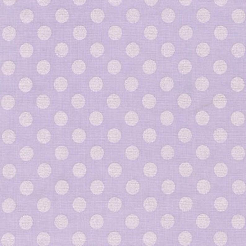 Robert Kaufman Lilac Polka Dot Design FQ to Yard New-100/% Cotton