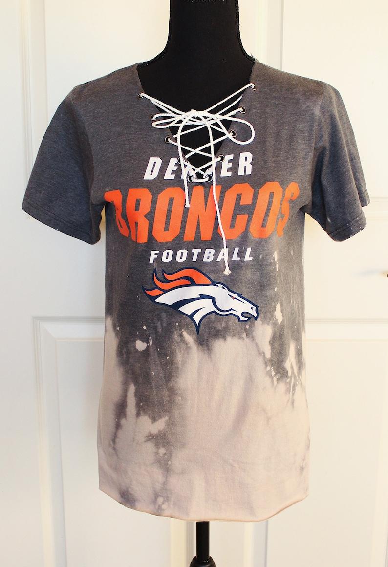 4220ea3f Denver Broncos | Lace up Tee | SM