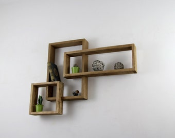 DEVI wooden wall shelf with raw pallet