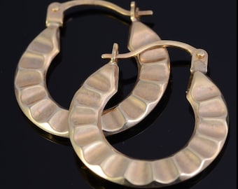133 New, 10k Yellow Gold Scalloped Hoop Earrings NWT, MSRP 199.99