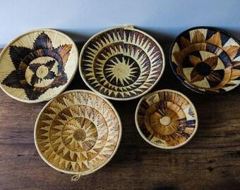 African wall baskets, Woven bowls, Rwanda baskets, Wall decor, African baskets, Patterned bowls, Fruit bowls, Tribal baskets, Set of 5