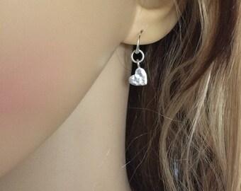 Tiny Sterling Silver hammered heart earrings, small Silver heart earrings, simple Silver earrings, dainty Silver drop earrings Heart jewelry