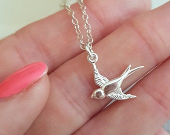 Tiny Sterling Silver bird necklace choker, small swallow Silver bird pendant simple bird choker dainty Silver pendant necklace jewelry gift