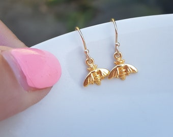 Tiny 24K Gold bee earrings small Gold filled bee earrings simple Gold earrings dainty gold drop earrings jewelry teenage gift for girl