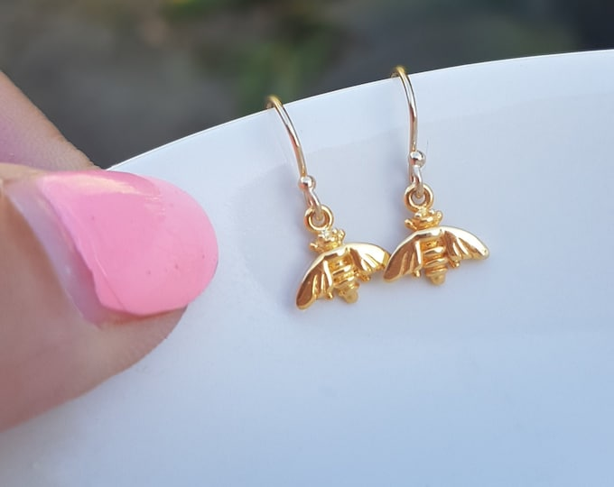 Tiny 18K Gold Fill bee earrings small Gold bee earrings simple Gold earrings dainty gold drop earrings jewelry teenage gift for girl