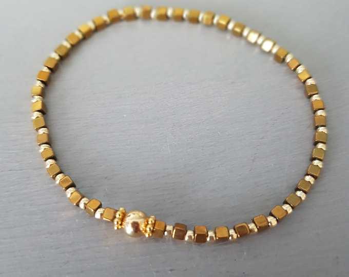 Tiny Gold Hematite crystal stretch bracelet Gold Fill gemstone bead bracelet skinny stacking jewellery minimalist dainty beaded Jewelry gift