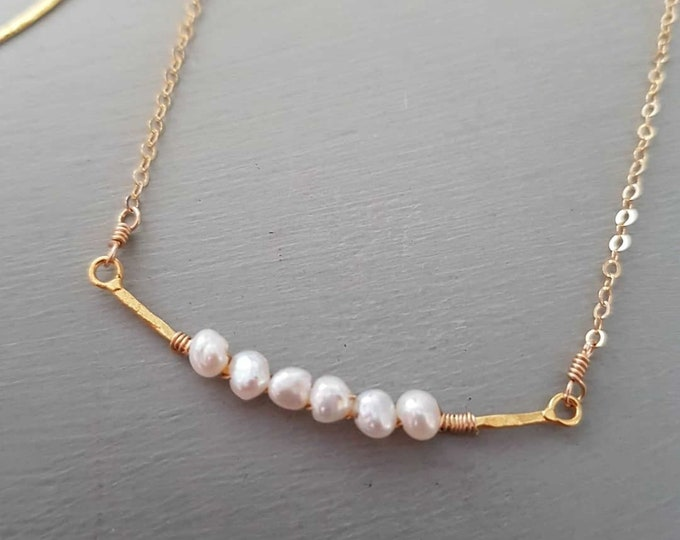 Tiny Freshwater Pearl choker necklace 18K Gold Fill hammered bar tiny white baroque pearl necklace wire wrapped real Pearl jewellery gift