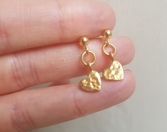Gold Fill hammered heart earrings tiny Gold Fill heart earrings simple Gold stud earrings Gold drop earrings jewellery gift for girl mum