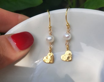 24K Gold hammered heart and freshwater pearl drop earrings real pearl earrings pretty Gold fill heart earrings jewelry gift for her sis mum
