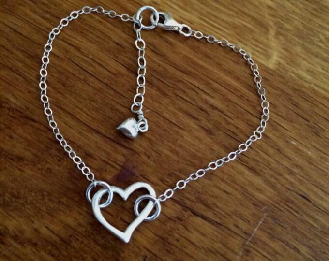 Sterling Silver heart bracelet Simple Silver bracelet 925 Silver floating heart bracelet, dainty silver bracelet Gift Box mum girlfriend BFF