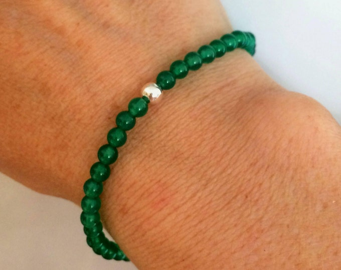 GREEN ONYX stretch Bracelet with Sterling Silver or 14K Gold Fill bead- Chakra - Healing jewelry gift