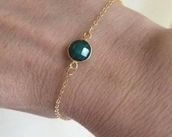 Emerald bracelet 18K Gold fill tiny Gold bracelet small green raw gemstone bracelet May Birthstone jewellery minimalist Jewelry- Chakra gift