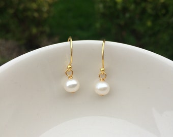 14K Gold Fill Small pearl drop earrings simple tiny 5mm AA Freshwater pearl earrings white pearl drop earrings bridal earrings gift for her