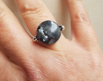 LABRADORITE stretch ring STERLING Silver beaded grey black Larvikite gemstone ring Boho ring chakra jewellery yoga ring OOAK gift
