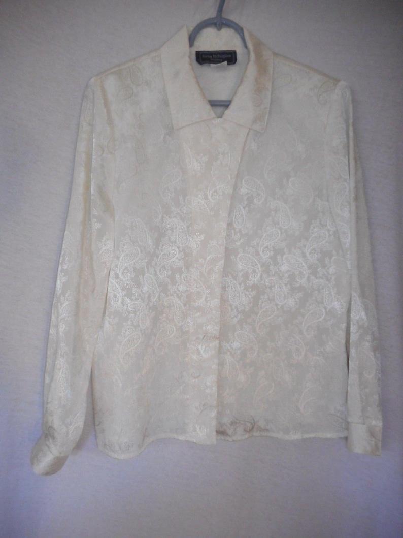 Vintage 80s Creamy white Paisley Print Size 10 Blouse Norton McNaughton Petites