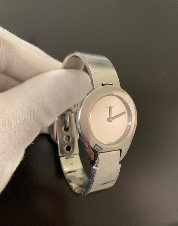 8e6a0920a8f Gucci beautiful 7 women s silver watch 100%