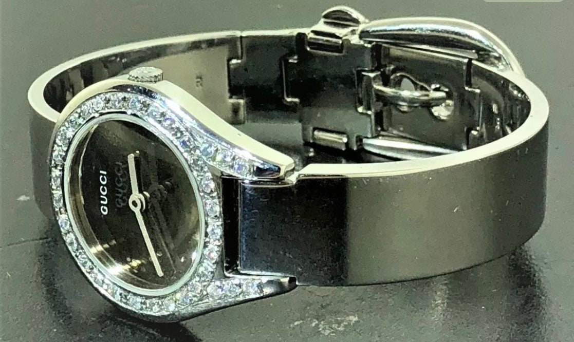 f3e657598aa Gucci beautiful 6 1 2 women s silver watch saphire