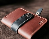 Personalized - The Doolittle Fine Leather Bi-Fold Wallet - Groomsman Gifts - Best Man Gift - Wallets - Christmas Gift For Him