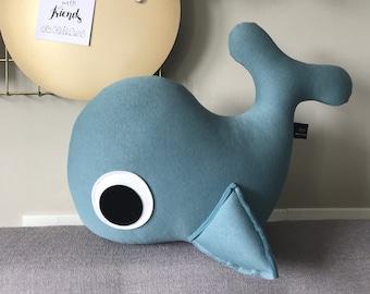 Wallie Whale HUG XL ice blue