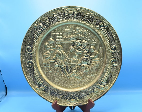 Brass Renaissance Round Plate Wall Hanging Vintage Pub Tavern Embossed Metal Plaque Wall Art Man Cave Decor English Pub Decor Brewery